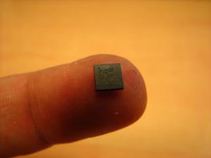 microchip-300x225 Chip z RFID dla wszystkich obywateli. Czy to możliwe?